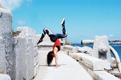 Handstands in our Mosaic Leggings with @alexiscraigfit  #LivingmyAKROVITA