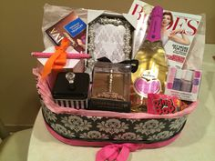 Wedding Gift Basket Notes : 1000+ images about Gift Baskets on Pinterest Engagement gift baskets ...