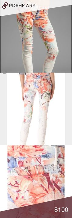 """Mother """"The Looker"""" Pocketful of Posies Jean Floral-print denim lends a fresh look to 5-pocket skinny jeans. Color starts rich and bright at the waistline and fades to the ankle creating a subtle ombré effect. Single-button closure and zip fly. Minor wear and tear at back left above pocket, not visible when on.  Fabric: Stretch denim. 70% lyocell/28% cotton/2% elastane. Wash cold. Made in the USA.  MEASUREMENTS Rise: 8in / 20cm Inseam: 31in / 79cm Leg opening: 5in / 12cm MOTHER Jeans Skinny"""