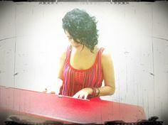 @Mariakaay se robó un ratito el piano de Renée
