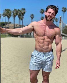 Hot Men Bodies, Hairy Hunks, Muscle Boy, Wendy Peffercorn, Muscular Men, Mens Fashion Suits, Guy Pictures, Man Crush, Gorgeous Men