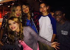 """Duncan Donuts on Twitter: """"Oh ya know. Just chilling with my friends Zendaya Coleman, Bella Thorne, and Veronica Dunne"""""""