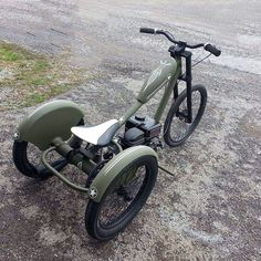 Chopper Motorcycle Trike Ideas For 2019 Tricycle Bike, Trike Bicycle, Chopper Motorcycle, Cool Bicycles, Cool Bikes, Motorized Trike, Gas Powered Bicycle, Lowrider Bicycle, Custom Trikes