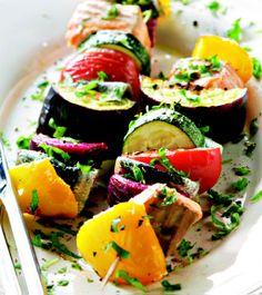 Kala-kasvisvartaat Avocado Egg, Sweet And Salty, Something Sweet, Caprese Salad, Sushi, Food And Drink, Cooking, Breakfast, Koti
