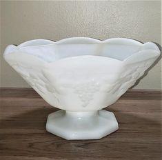 Milk Glass Decor, Tiffany Style Table Lamps, Glass Collection, Vintage Dishware, Vintage Glassware, Glass, Ball Jars, Vintage, Bowl