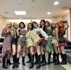 Nayeon, Kpop Girl Groups, Korean Girl Groups, Kpop Girls, Shy Shy Shy, Twice Group, Warner Music, Myoui Mina, Dahyun