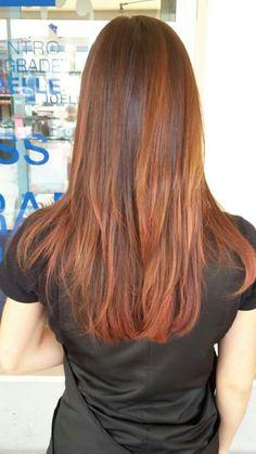 Le nostre clienti indossano il proprio colore personalizzato che si chiama #degradejoelle #lineadonna #arezzo #igers #wella #haircolor #hair#naturalshaders