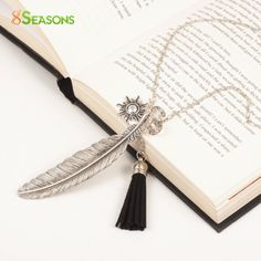 "8SEASONS ""Freedom"" Fashion Tassel Pendant Necklace Feather Necklace Link Chain Silver Tone 73cm(28 6/8"")long Black 1 Piece"