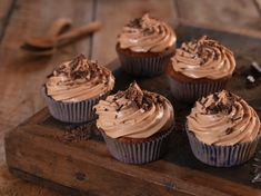 Frosting, Muffins, Berries, Cupcakes, Sweets, Baking, Desserts, Food, Bread Making