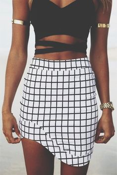 #street #style crop top + irregular geometric print skirt @wachabuy