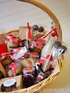 Weihnachtsgeschenke aus der Küche - Apfelstrudelkonfitüre,Kaffeelikör,Mandelberge und Nuss-Nougat-Pralinen