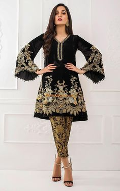 Teena Durrani Light Party Wear And Formal Wear at Retail and whole sale prices at Pakistan's Biggest Replica Online Store Pakistani Party Wear Dresses, Pakistani Wedding Outfits, Pakistani Dress Design, Dress Indian Style, Indian Dresses, Indian Outfits, Velvet Dress Designs, Pakistan Fashion, Indian Designer Outfits