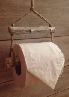 Diy toilet paper holder ideas driftwood toilet roll holder house warming gift idea rustic paper ideas home decorators collection blinds cordless Diy Toilet Paper Holder, Paper Roll Holders, Driftwood Projects, Driftwood Art, Driftwood Ideas, Driftwood Furniture, Diy Projects, Diy Casa, Creation Deco