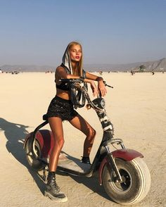 Burning Man Outfits, Burning Man Girls, Burning Man Fashion, Festival Mode, Festival Outfits, Festival Fashion, Next Clothes, Clothes For Women, Africa Burn