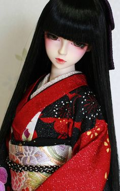 A ball jointed doll dressed in a furisode kimono Pretty Dolls, Cute Dolls, Beautiful Dolls, Anime Dolls, Blythe Dolls, Dolls Dolls, Geisha, Furisode Kimono, Chinese Dolls