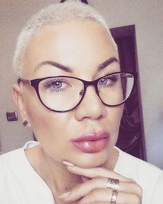 Miłego ❤ #goodafternoon #nicetime#glasses #lips#polishgirl #cute#sweet#buzzcut #blonde#nails#work#instagood #instagram #instacute#like4like #fashion #fallowmy #like4like