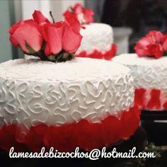 Pastel para boda, flores naturales, diseño artesanal. #lamesadebizcochos