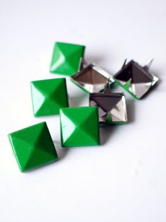 50 pcs X emerald square studs mix of 2 by Catherine Trudel Design Studio Leather Cuffs, Custom Stickers, Diy Wedding, Craft Supplies, Emerald, Studs, My Etsy Shop, Unique Jewelry, Handmade Gifts