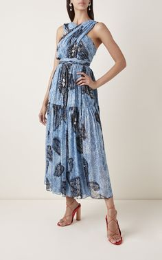 Get inspired and discover Ulla Johnson trunkshow! Shop the latest Ulla Johnson collection at Moda Operandi. Silk Floral Dress, Lace Maxi, Silk Dress, Types Of Clothing Styles, Looks Chic, Ulla Johnson, Fashion Outfits, Womens Fashion, Elegant Dresses