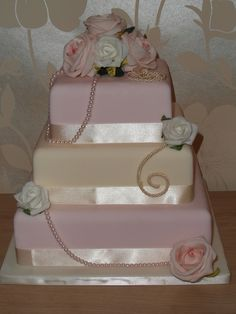 vintage look cakes | vintage wedding cake — Square Wedding Cakes three different colors per layer?  peach, ecru, champagne