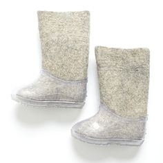 AMAZING BOOTS HAND MADE IN RUSSIA. THE INSIDE BOOT MADE FROM 100% FELTED ORGANIC WOOL KEEPS THE FEET WARM. THE OUTSIDE REMOVABLE BOOT IS A CLEAR RUBBER PROTECTIVE ELEMENT. VERY SPECIAL AND UNIQUE ITEM   ZAIKAMOYA