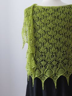 Spellbound - Boo Knits on Ravelry.com http://www.ravelry.com/patterns/library/spellbound-6