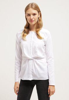 Eine Bluse mit dem gewissen Etwas. More & More Bluse - weiß für 59,95 € (05.01.16) versandkostenfrei bei Zalando bestellen.