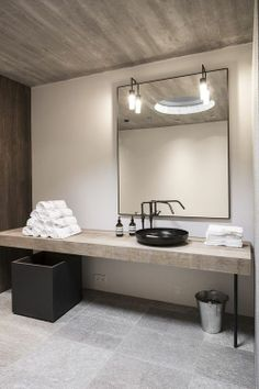 #interiors #bathroom #sink #concrete #simple #minimal #beige