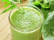 Green detox drink This vegetable detox drink is made up primarily of green vegetables, providing an effective natural body cleanse of the digestive system. For this detox drink, you will need: 3 carrots, 3 kale leaves, 2 celery stalks, 2 beets, 1 turnip, ½ bunch of spinach, ½ cabbage, ½ bunch of parsley, ½ onion, 2 garlic cloves. Mix all ingredients with water and puree in a blender.