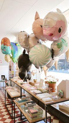 Vapun suloisimmat pallot ovat saapuneet kaupallemme! Hinnat vaihtelevat pallon koosta riippuen 8-18€ välillä. / The cutest 1st of May helium balloons have arrived at Papershop! The prices vary between 8-18€, depending on the size of the balloon. Helium Balloons, May 1, The Balloon, Cute, Kawaii