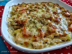 Pollo al estilo pizzaiola Real Food Recipes, Chicken Recipes, Snack Recipes, Cooking Recipes, Yummy Food, Healthy Recipes, Bacon Ranch Pasta Salad, Pollo Chicken, Pesto