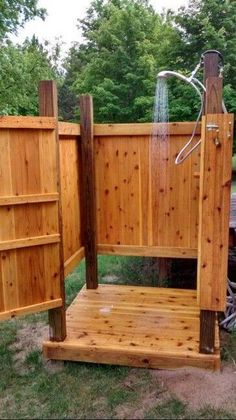 My outdoor shower. 28 Outdoor Shower Ideas with Maximum Summer Vibes Timber step up platform to hide drainage bathroom, Extraordinary Design Of Outdoor Shower Designs Made Of Wooden Element Which Is Installed On Hardwood Flooring And Enhanced With Natural Outdoor Shower Enclosure, Pool Shower, Garden Shower, Diy Shower, Shower Ideas, Outdoor Baths, Outdoor Bathrooms, Outdoor Toilet, Outdoor Kitchens