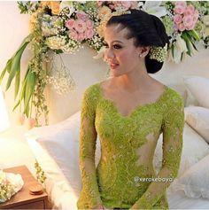 Wedding Photography Modern Lace Dresses Ideas For 2019 Vera Kebaya, Kebaya Dress, Batik Kebaya, Batik Dress, Kimono, Kebaya Hijab, Javanese Wedding, Indonesian Wedding, Hijab Wedding Dresses