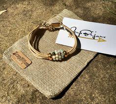 Bracelet femme boho chic, cuir perle, pierres semi-précieuses damazonite, minimaliste, or, ajustable avec chainette.