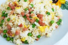 Spam Fried Rice - A simple local style method for making fried rice! (*LG - Not the most flavorful fried rice I've had, but still tasty! Rice Recipes, Asian Recipes, Cooking Recipes, Healthy Recipes, Ethnic Recipes, Spam Fried Rice, Making Fried Rice, Rice Dishes, Main Dishes