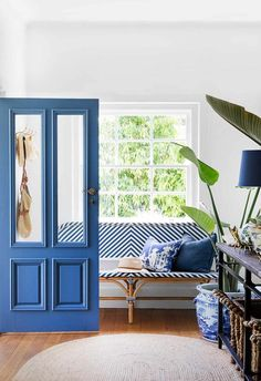 Pantone Colour of the Year was announced as PANTONE Classic Blue. According to Pantone, this colour represents a dependable and stable foundation to move… The post PANTONE Colour of the Year 2020 & Classic Blue appeared first on TWUSS. Bleu Pantone, Pantone Azul, Pantone 2020, Pantone Color, Design Azul, Blue Design, Design Color, Design Design, Design Trends