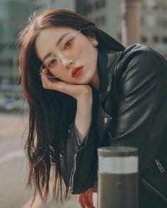 sɪ ᴇsᴛᴜᴠɪᴇʀᴀs ᴇɴ ʀᴇᴅ ᴠᴇʟᴠᴇᴛ✨ - Si estuvieras en red velvet 🍃No copias ni adaptaciones: # Fanfic # amreading # books # wattpad sɪ ᴇsᴛᴜᴠɪᴇʀᴀs ᴇɴ ʀᴇᴅ ᴠᴇʟᴠᴇᴛ✨ Ulzzang Girl Fashion, Ulzzang Korean Girl, Ulzzang Hair, Ulzzang Style, Korean Girl Photo, Cute Korean Girl, Korean Aesthetic, Aesthetic Girl, Korean Beauty