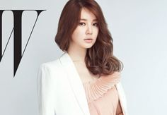 Yoon Eun Hye goes chic and sophisticated for 'W'