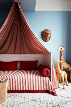 To create an amazing kid bedroom, you need extraordinary furniture. Check Circu for more inspirations: CIRCU.NET . . #circumagicalfurniture #magicalfurniture #kids #kidsroom #kidsbedroom #kidsinteriors #kidsinteriordecor #kidsfurniture #kidsroomdecor #kidsmirror #kidsideas #interiordesign #luxurydesign #interiordesigner #architecture #bedroomdecor
