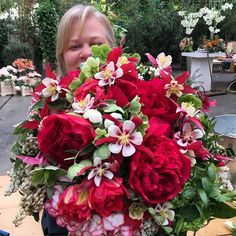 Alicia created a large bridal bouquet with Pieris Japonica, Spring Wedding Flowers, Dream Vacations, Hydrangea, Peonies, Holland, Floral Design, Floral Wreath, Porn