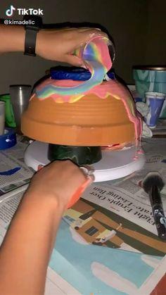 Diy Crafts Hacks, Diy Home Crafts, Creative Crafts, Diy Arts And Crafts, Painted Plant Pots, Painted Flower Pots, Decorated Flower Pots, Diy Canvas Art, Canvas Painting Tutorials