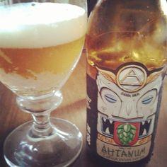 Cerveja Dama Single Hop Ahtanum, estilo India Pale Ale (IPA), produzida por Dama Bier, Brasil. 6.5% ABV de álcool.