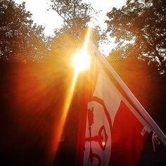 Leidens ontzet #sun #zon #sunset #leiden #3oktober #ontzet #hutspot #haring #flag #vlag #mooi #rood #wit #trees #bomen #keys #sleutels