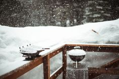 ¡A acampar! 13 cosas que no te pueden faltar cuando te vas de campamento | México Desconocido Snow, Outdoor, Urban Gardening, Jacaranda Trees, Trees And Shrubs, Spa Water, Outdoors, Outdoor Games, The Great Outdoors