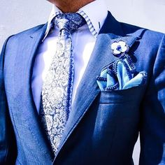 Accessories are to a Suit as Personality is to People. Love this look. Sharp Dressed Man, Well Dressed Men, Dress Suits, Men Dress, Tie And Pocket Square, Pocket Squares, Grown Man, Suit And Tie, Sport Coat
