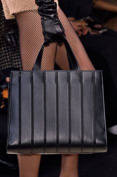 MaxMara at Milan Fall 2016 (Details) bag, сумки модные брендовые, bags lovers, http://bags-lovers.livejournal