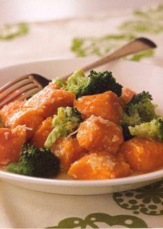 Sweet Potato Gnocchi PER SERVING: 348 calories 4 g fat 9 mg cholesterol 562 mg sodium 65 g carbohydrates 11 g fiber 17 g protein