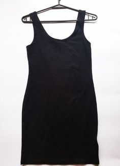 Kup mój przedmiot na #vintedpl http://www.vinted.pl/damska-odziez/krotkie-sukienki/15534806-sukienka-hm-czarna-rozmiar-36-s-idealna-na-jesienswieta