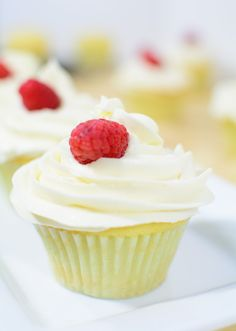 How To Make Easy Vanilla Cupcake Recipe From Scratch