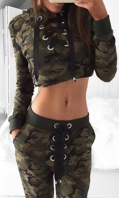 40 Lovely Outfit Ideas From Fashionista You Should Already Own Swag Outfits For Girls, Camo Outfits, Cute Swag Outfits, Crop Top Outfits, Sporty Outfits, Teen Fashion Outfits, Classy Outfits, Trendy Outfits, Girl Outfits